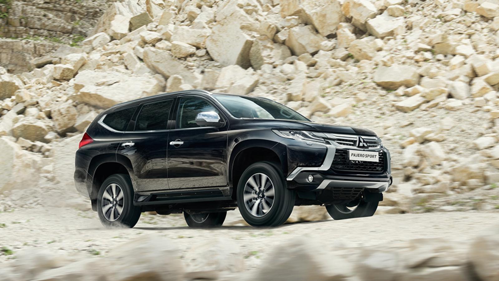 Маскхалат не скрыл новое поколение внедорожника Mitsubishi